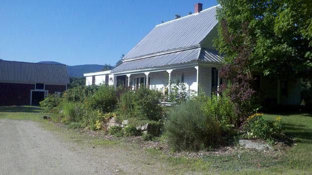 JarmakCorp renovates antique home.
